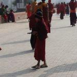 Buddhistischer Jungmönch: Pazifismus wird überbewertet!